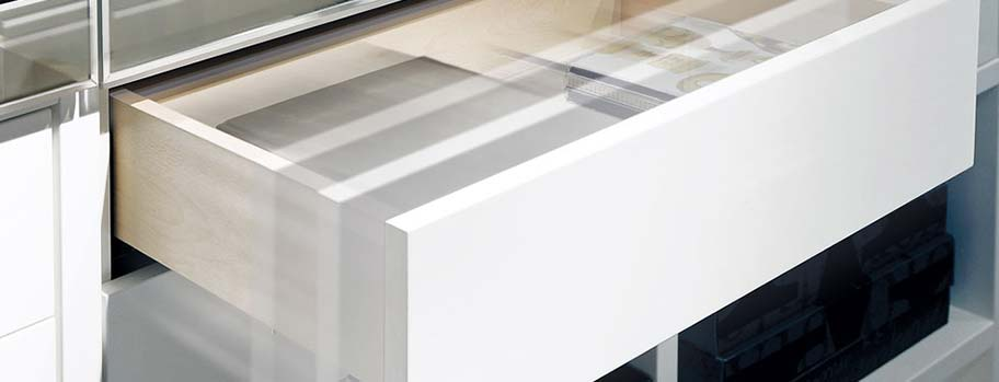 Futura Undermounted Drawer Slide